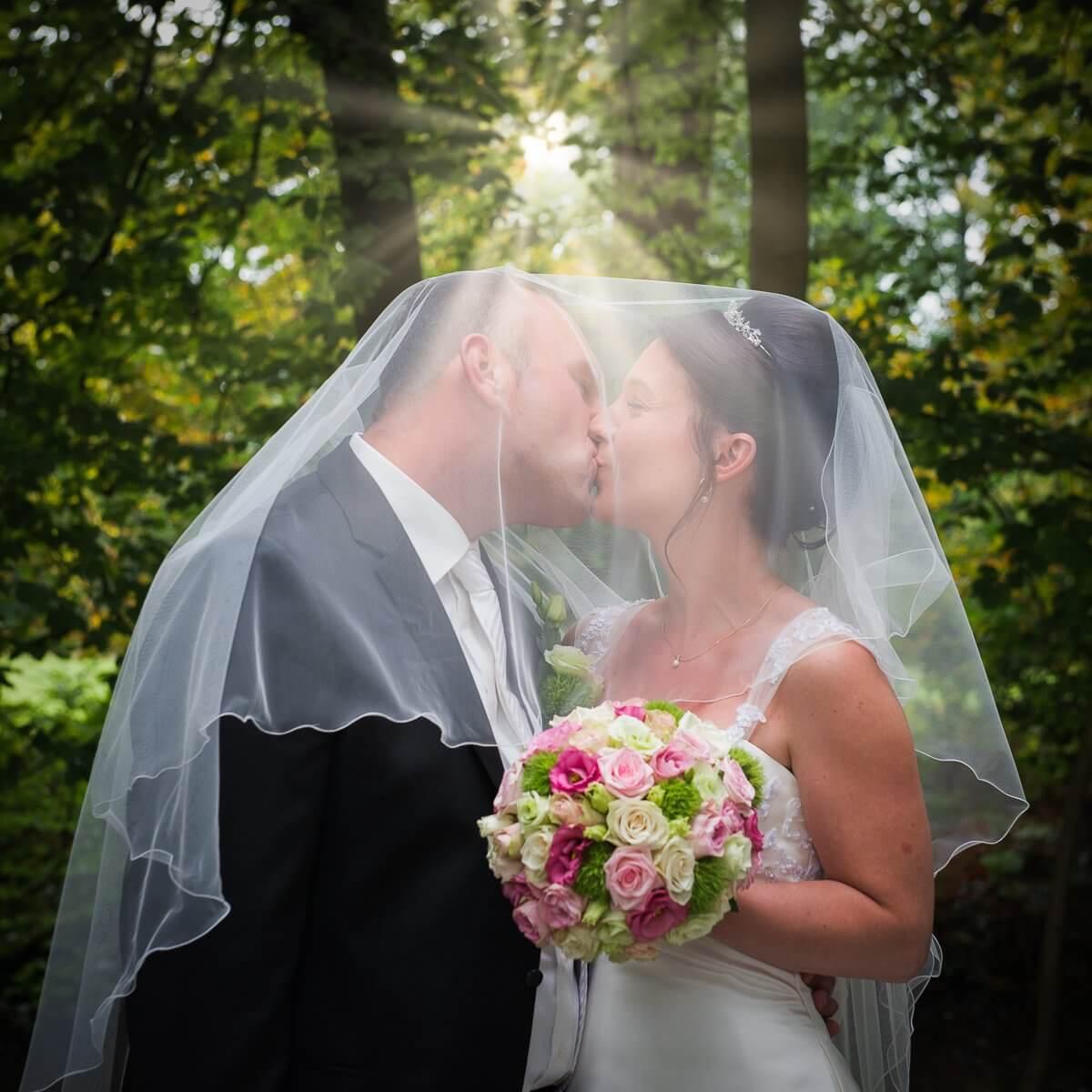 https://www.henrysphotodesign.nl/wp-content/uploads/2021/01/wedding.jpg